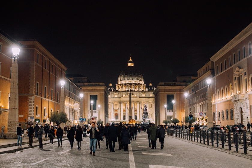visit vatican city in rome italy